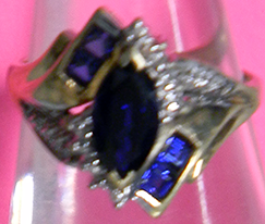Yellow and White Gold Ring With Sapphires