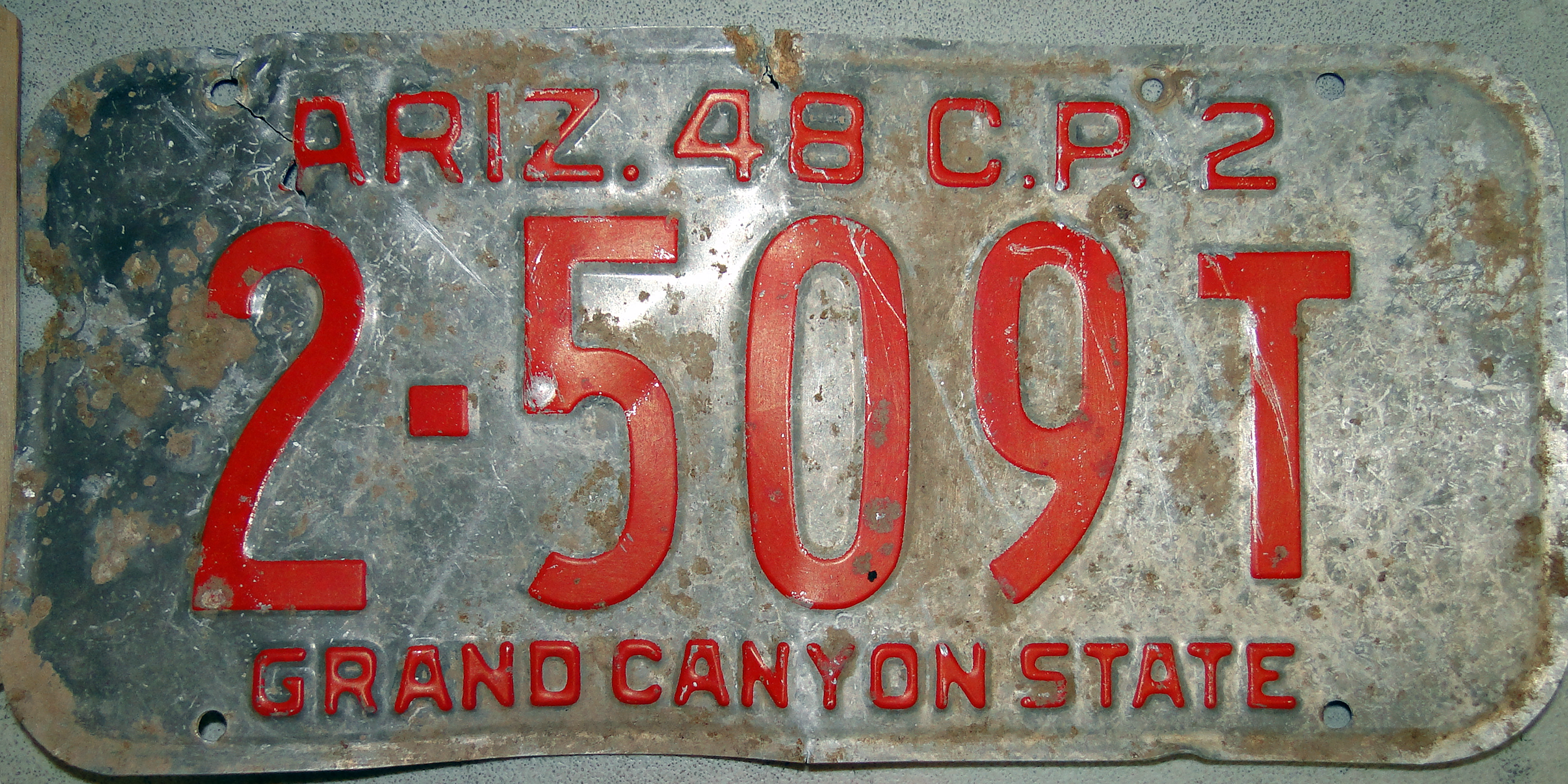 1948 Arizona License Plate 3qtrs scale